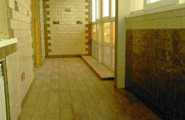 облицовка балкона плиткой